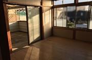 日立市にて遺品整理2階での作業風景|ランドサービス