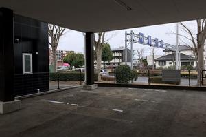 つくば市にて駐車場内の物置倉庫解体撤去作業 ランドサービス株式会社